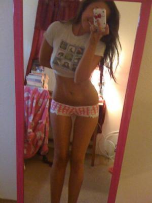 Selfie von Küken in Nacktbildern - Kostenlose Sexbilder und heisse Pornobilder - Foto 5302