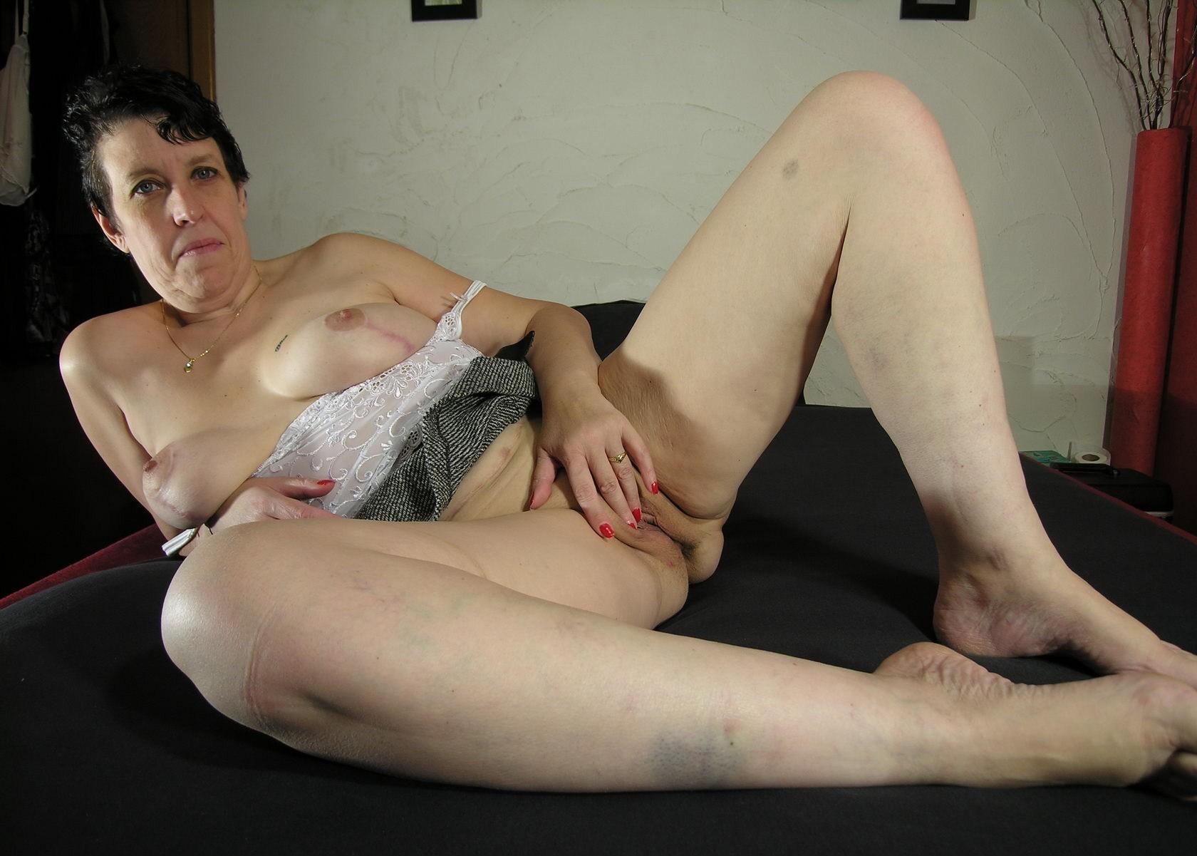 Dildo in ihrer Muschi - Kostenlose Sexbilder und heisse Pornobilder - Foto 4508