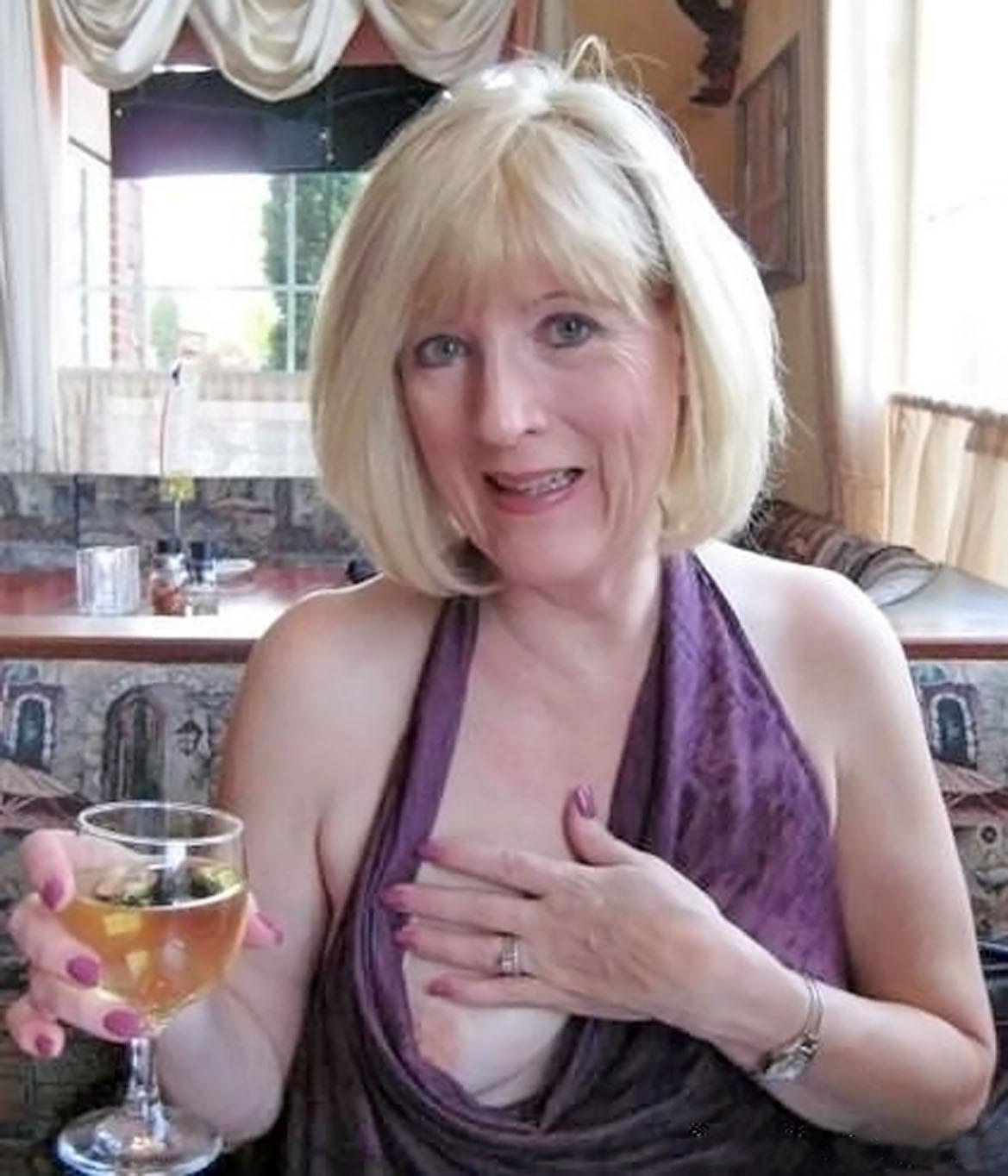 online Reife Frauen - Kostenlos Deutsch Porno-Fotos und Sex Bilder