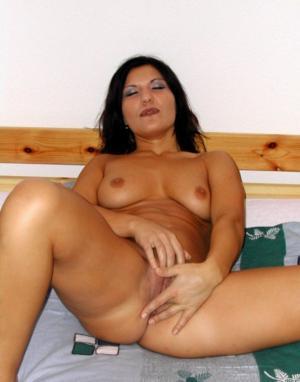 Dildo in ihrer Muschi - Kostenlose Sexbilder und heisse Pornobilder - Bild 4338