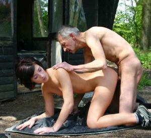 Vater fick seine Tochter - Kostenlose Sexbilder und heisse Pornobilder - Bild 2120