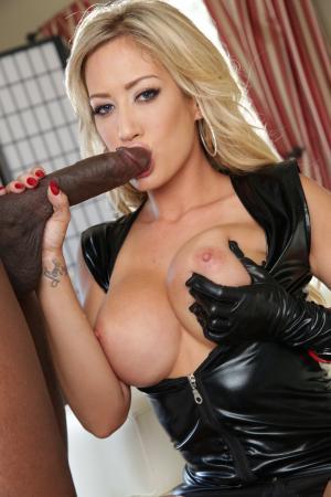 Schwanz in den Mund - Kostenlose Sexbilder und heisse Pornobilder - Bild 5738