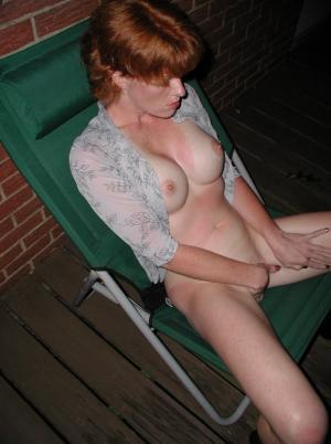 Dildo in ihrer Muschi - Kostenlose Sexbilder und heisse Pornobilder - Bild 4358