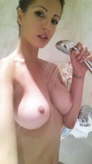 Schöne Frauen genießen Sex in Nacktbildern - Kostenlos Deutsch Porno-Fotos und Sex Bilder