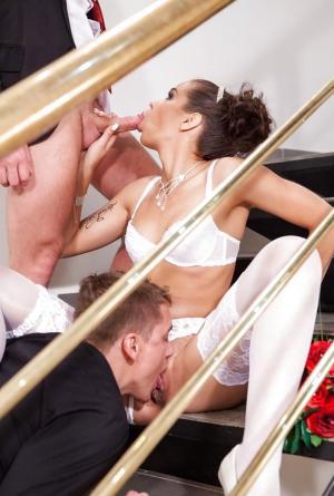 Dreier sex und Orgie - Kostenlose Sexbilder und heisse Pornobilder