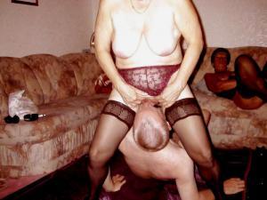 Orgie, gangbang party - Kostenlose Sexbilder und heisse Pornobilder - Bild 2523
